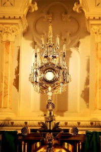 perpetual-adoration-at-our-lady-of-mount-carmel-basilica-in-youngstown-ohio